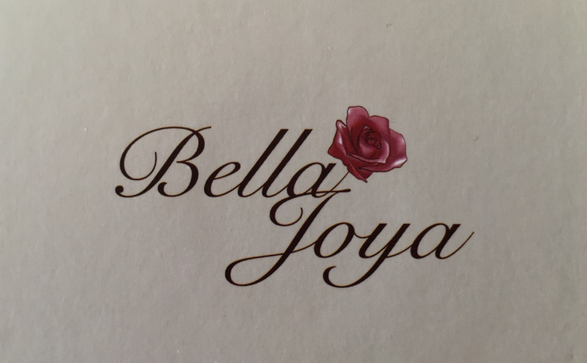 Produkttest – Bella Joya Modell Rio, elegante Trend-Uhr im Retro-Style, Rochen-Struktur-Echtlederband schwarz